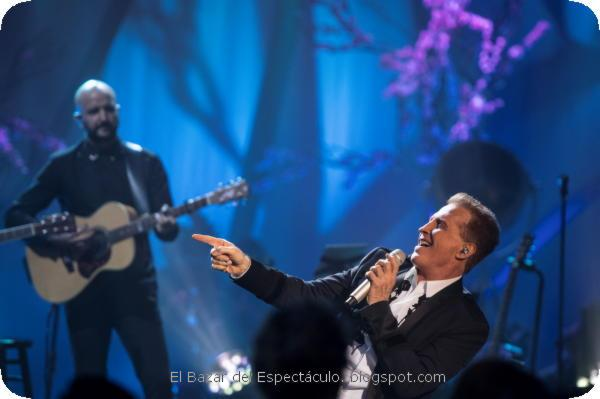 Emmanuel MTV Unplugged - Chino Lemus 22.jpeg