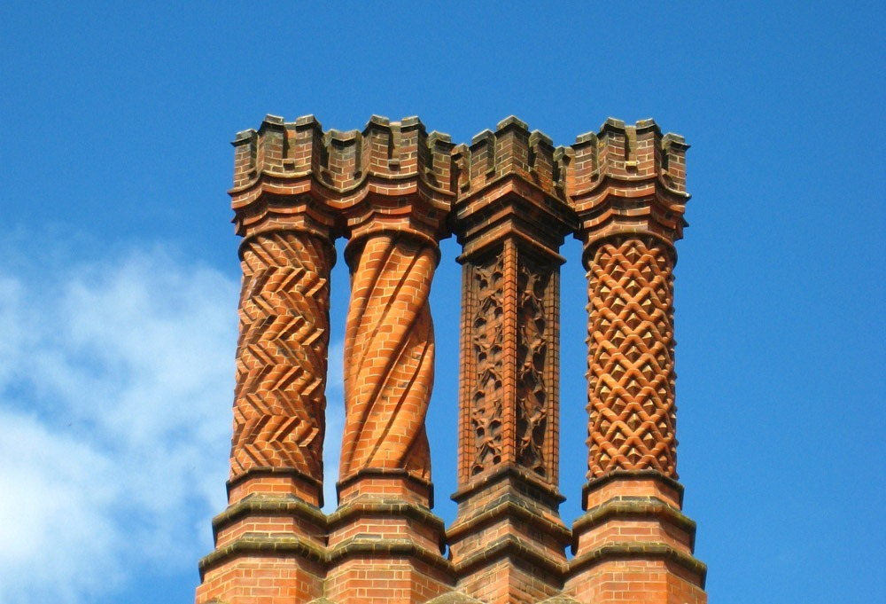 hampton-court-palace-chimneys-14