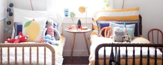 Decorar dormitorio compartido por niño y niña.