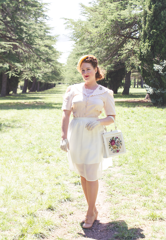 Peaches, cream and white 1940s look | Lavender & Twill