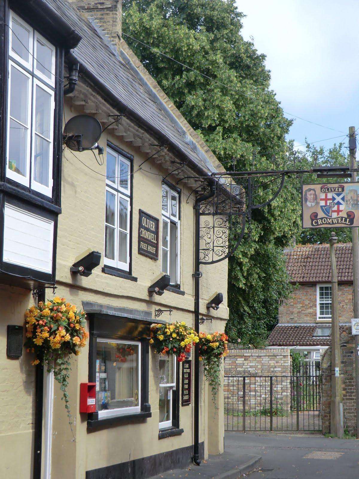 CIMG7856 Oliver Cromwell pub, St Ives