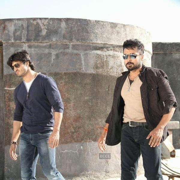 Vidyut Jamwal and Suriya in a still from Telugu movie Sikander. (Pic: Viral Bhayani)