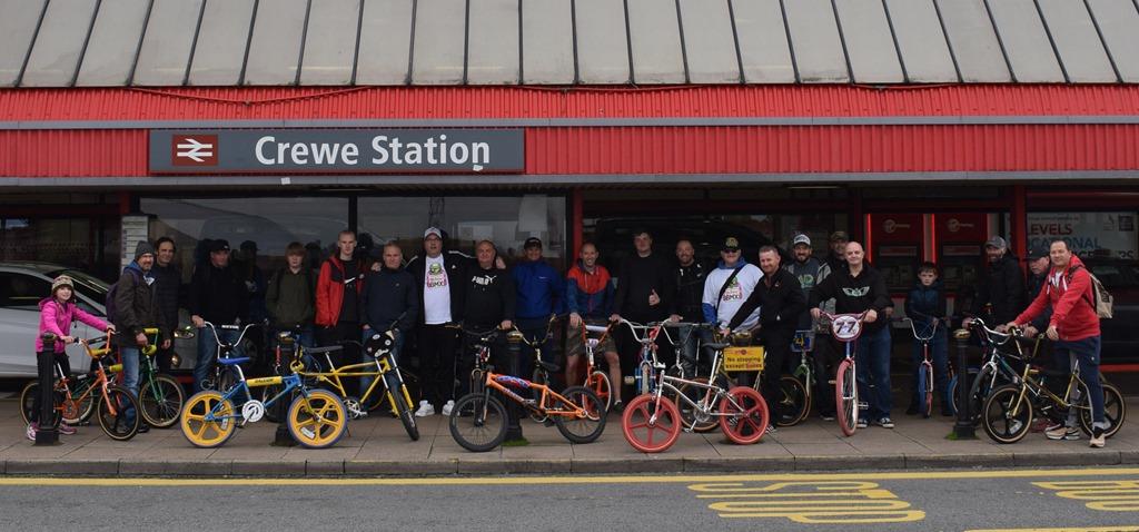 [The+start+at+Crewe+railway+station%5B3%5D]