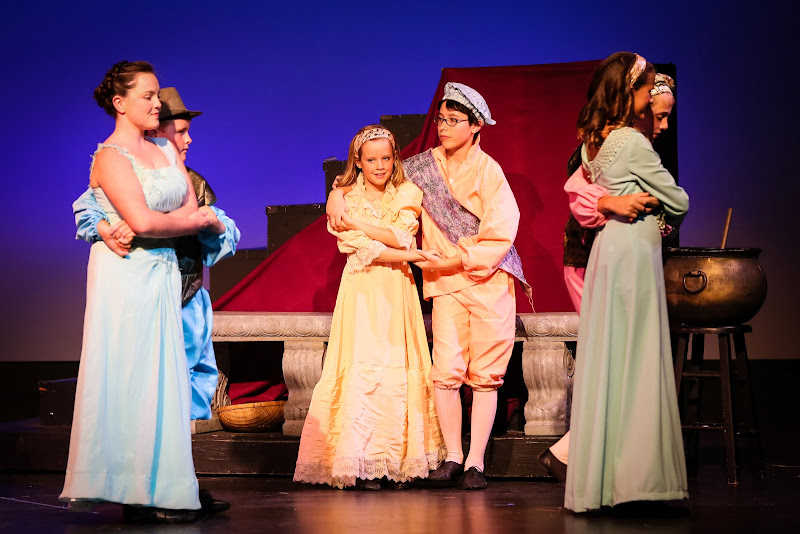 2014Snow White - 25-2014%2BShowstoppers%2BSnow%2BWhite-5782.jpg
