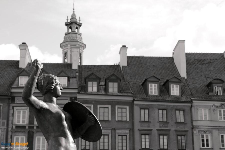 warszawska syrenka na rynku