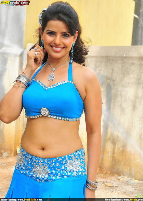 Can bhojpuri actress hot navel