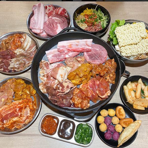 好好吃肉韓式烤肉吃到飽-台南民族店(Tainan Korea BBQ)