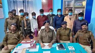 बिहार में शराब तस्करों ने लूटा गैस सिलेंडरों से लदा ट्रक, गिरफ्तार लुटरों ने खोला राज तो चौंके अधिकारी