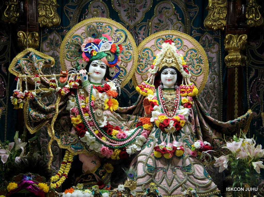 ISKCON Juhu Sringar Deity Darshan on 25th Oct 2016 (3)