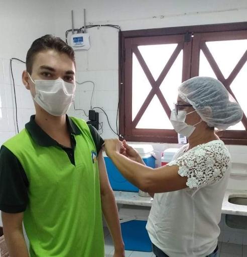 Cuitegi/PB inicia aplicação da segunda dose da vacina contra a covid-19 em profissionais da saúde
