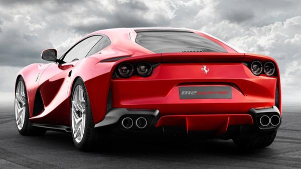 Ferrari-812_Superfast-rear