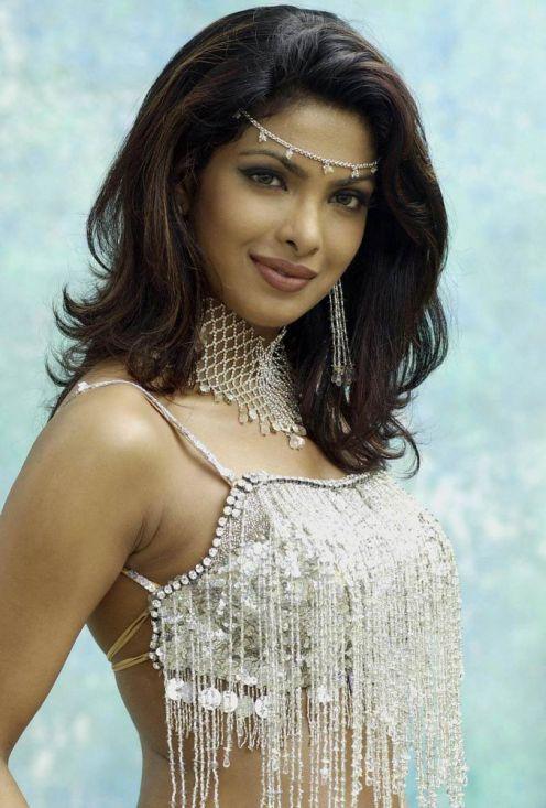 https://lh3.googleusercontent.com/-11LXeGI6XpU/TYI-ts5Kn4I/AAAAAAAACDg/8Cn04ZmNHzw/s1600/Priyanka+Chopra+Sexy+former+miss+world+2.jpg