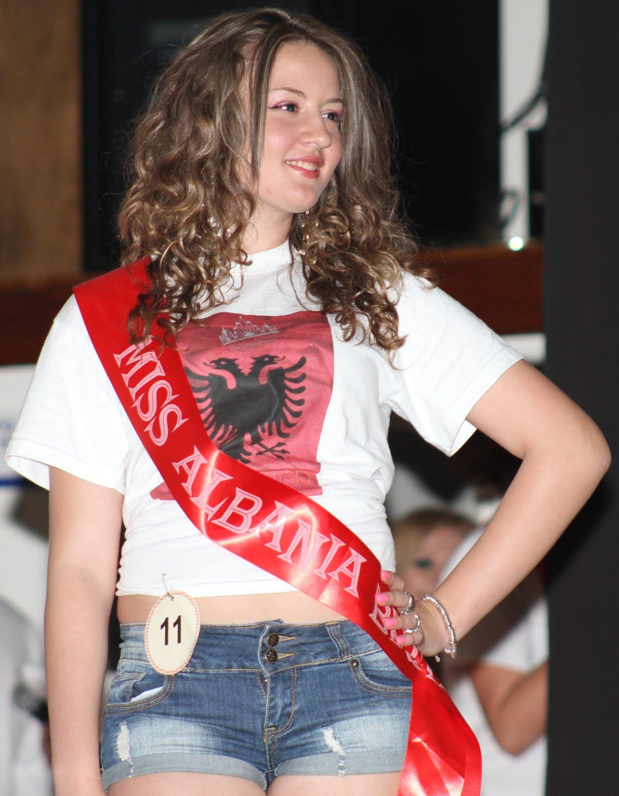 MISS ALBANIA BRITANI – 19 QERSHOR 2011