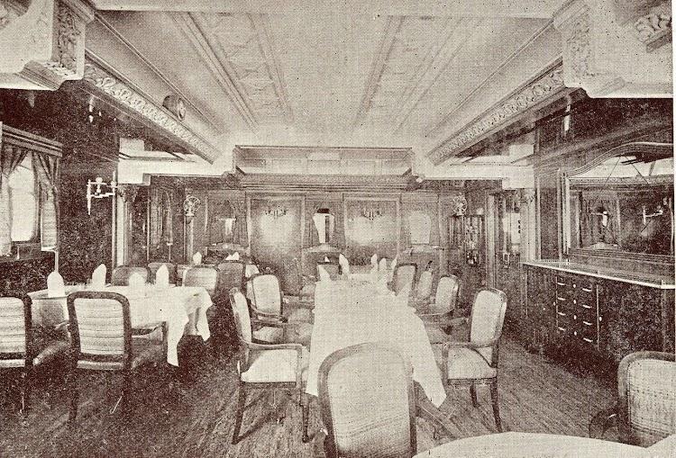 18- Salon comedor del CIUDAD DE TARRAGONA. Foto del libro La Union Naval de Levante. 1924 1949.jpg