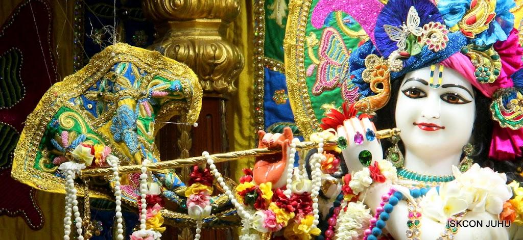 ISKCON Juhu Sringar Deity Darshan on 26th June 2016 (35)