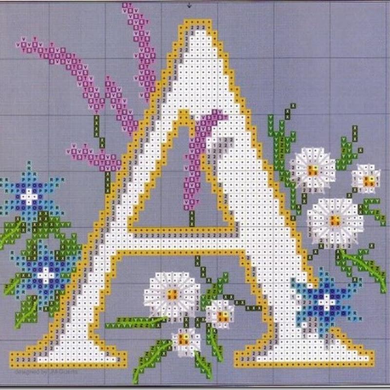 Letras punto de cruz ABC grande con flores