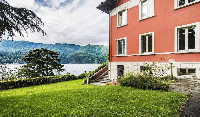Villa with garden and terrace Laglio