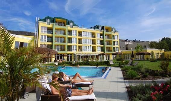 Park Hotel Stroissmüller, Badstraße 2, 4701 Bad Schallerbach, Austria