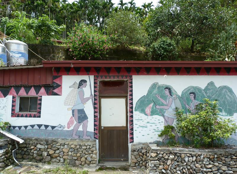 Puli  en passant , entre autres, par les villages de l ethnie Bunum de Loloko et Dili. J 10 - P1160917.JPG