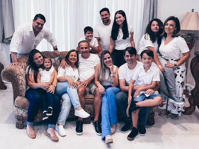 Pastor Silas Malafaia comemora aniversário de 62 anos de vida ao lado de sua família.