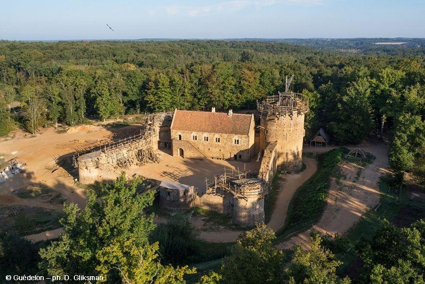guedelon-castle-1