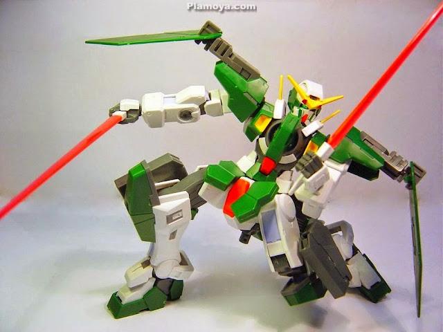 Gundam Dynames GN-002 tỷ lệ 1/100 Scale Model đem đến phạm vi chuyển động không thể tin được