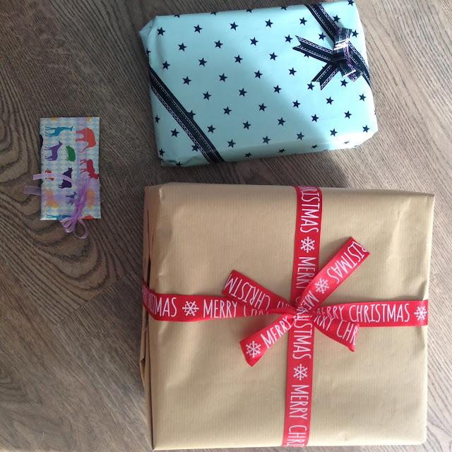So ando en tecnicolor envolver regalos de forma original - Envolver regalos de forma original ...