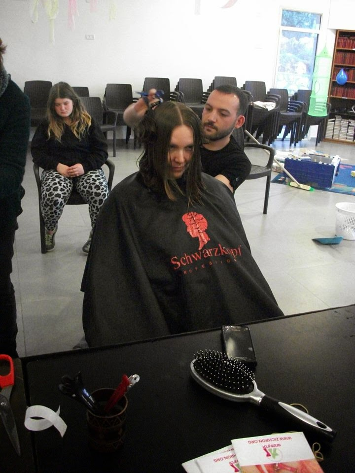 Donating hair for cancer patients 2014  - 1970365_539676702815294_553215651_n.jpg