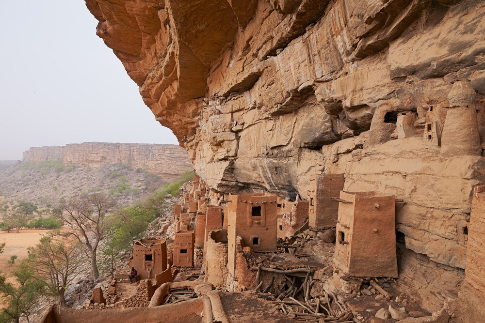 the dogon villages of bandiagara escarpment amusing planet
