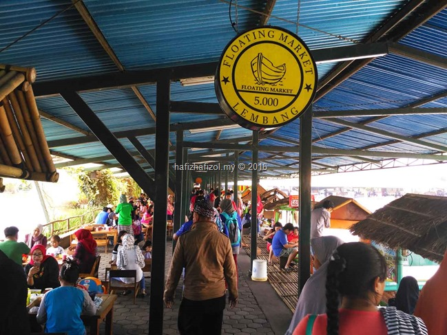 suasana di floating market bandung