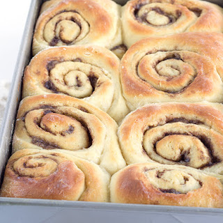 Gooey Overnight Cinnamon Rolls