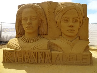 2016.08.12-067 Rihanna et Adèle