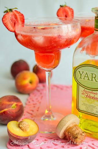 Клубнично-персиковый коктейль Yara