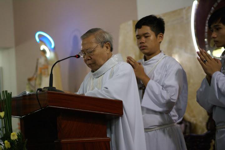 Gx. Phú Hoà:Thánh lễ mừng kính Đức Maria Hồn Xác Lên Trời