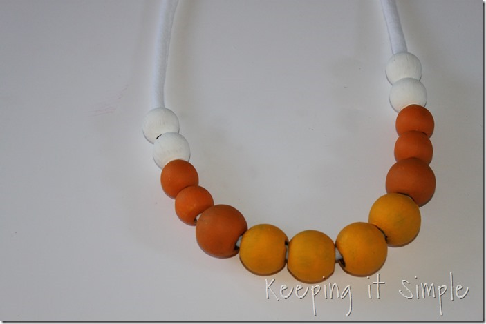 DIY-Candy-Corn-Necklace (6)