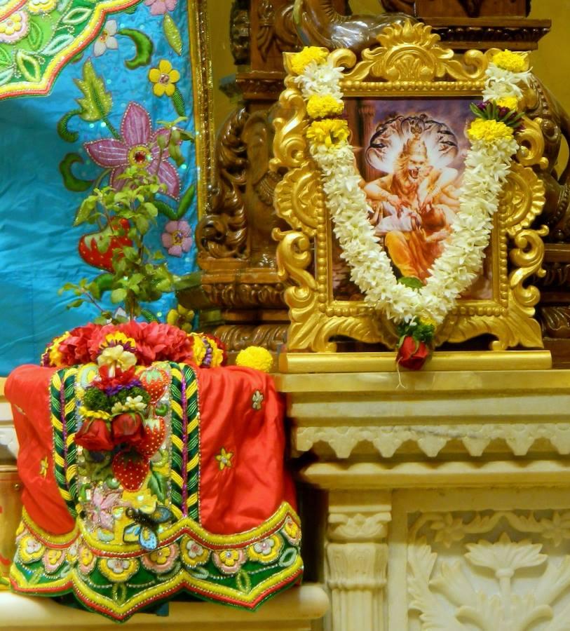ISKCON Pune NVCC Deity Darshan 01 Jan 2017 (4)