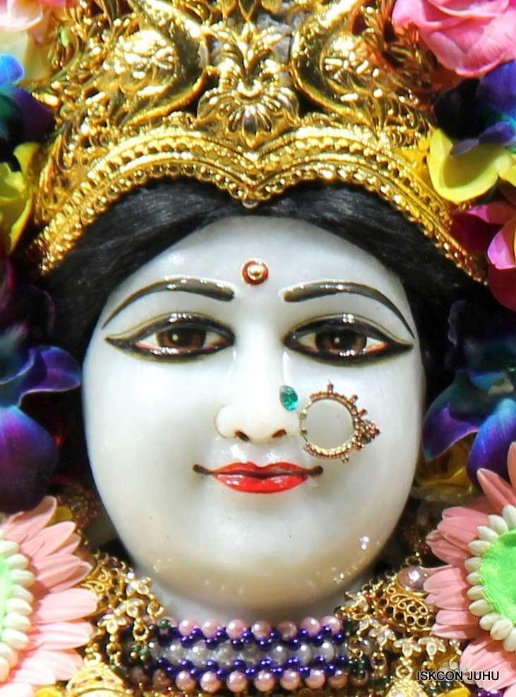 ISKCON Juhu Sringar Deity Darshan 19 Dec 2015 (9)