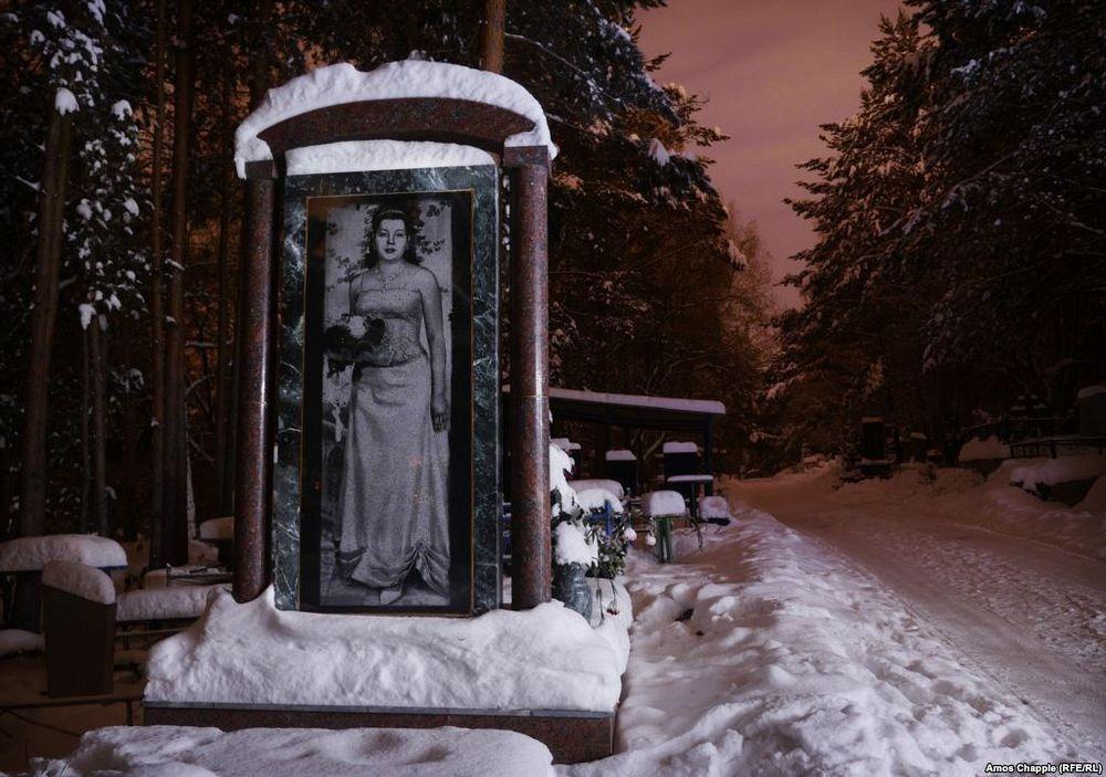 gangster-cemetery-yekaterinburg-17