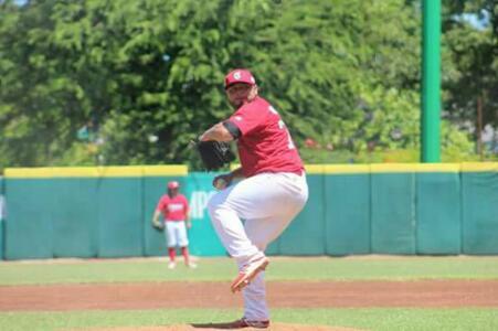 Ademas el lanzador campechano lleva ocho campañas jugando en la Liga  Mexicana de Béisbol f88f8691b24af