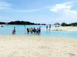family trip pulau pari 140716 Fuji 195