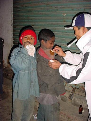 Maraude dans les rues de Katmandou par Pomme Cannelle