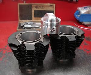 cylindres-et-piston-harley-davidson-xlcr-wiseco-realese-par-machines-et-moteurs