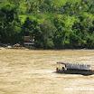 2013-12-19 12-12 Rzeka Cauca-prom bez silnika,napędzany prądem rzeki!.JPG