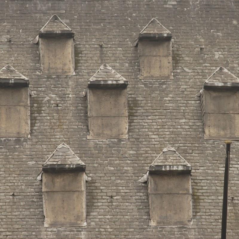 Brussels_132 Hotel de Ville Roof.jpg