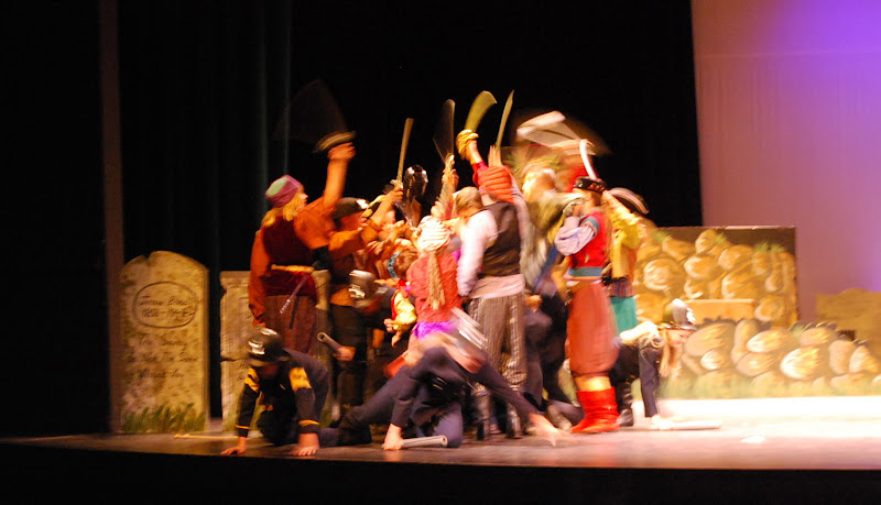 2012PiratesofPenzance - DSC_5933.JPG