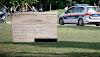 شخصان يلعبان الشطرنج في حديقة في فيينا والرابح كانت الشرطة النمساوية