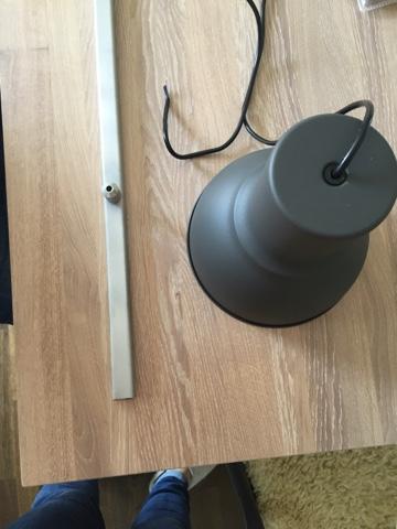 Diy lampe im industrial look lizscasa for Lampe mit mehreren schirmen