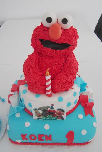 828- Elmo taart Koen 1 jaar.JPG