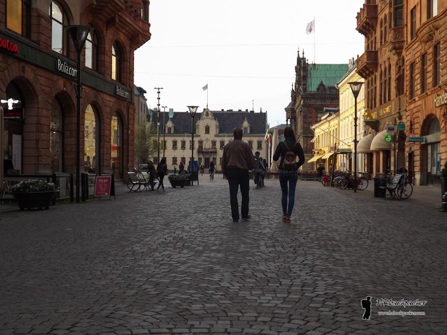 Središte grada predstavlja staru jezgru Malmoa uglavnom nastalu u osamnaestom stoljeću. Popločene ulice i tipična sjevernjačka gradnja.