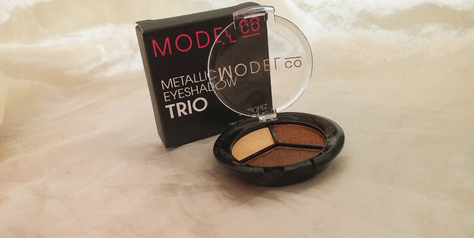 model.co trio eyeshadow